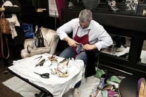 Genesis, Artigianato Creativo_Creazione di una calzatura_1_Ph. Marco Barbaro