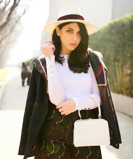 Alessia Sica con borsa Amato Daniele